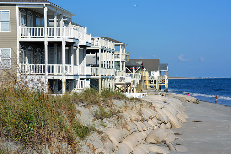 Homes along the oceanfront in Ocean Isle Beach