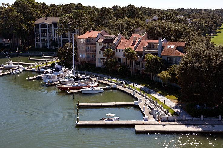 harbour town - 736×491